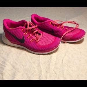 Women's 7 Pink Nike Shoes